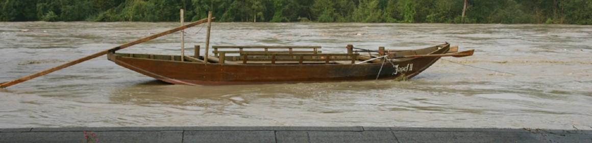 Fähre Hochwasser 4 24-08-05